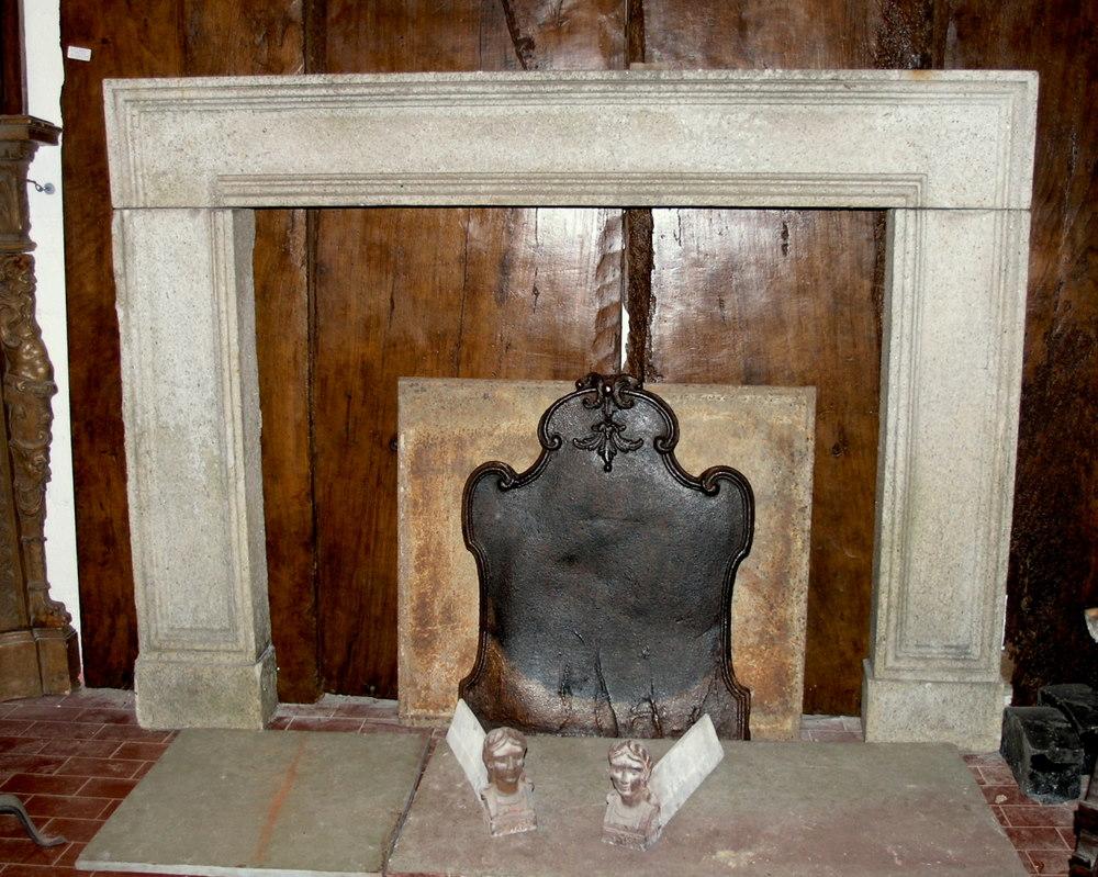 Caminetti In Pietra Antichi: Caminetti in pietra camini marmo realizzazione. Migliori idee su ...